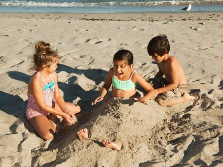 cn_image.size.kids-beaches-children-playing-in-sand