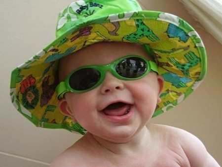round-kids-sunglasses-2012-trends-for-baby